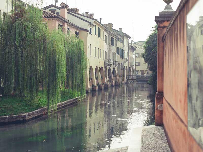 Canais de Treviso, na Itália